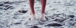 Περπατήστε ξυπόλυτοι στην άμμο και δείτε 6 αλλαγές στο σώμα αλλά και στην υγεία σας!