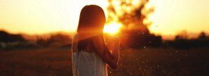 Πώς η δύναμη της Θετικότητας μπορεί στην πραγματικότητα να αλλάξει τον κόσμο γύρω σας