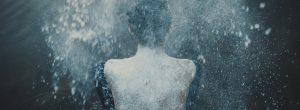 Πως τα συναισθήματα επηρεάζουν την πλάτη σας